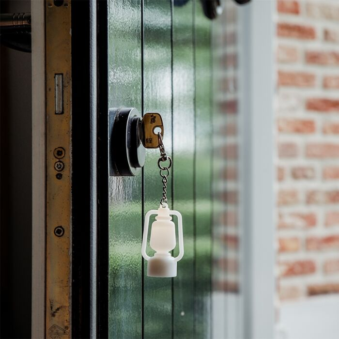Keychain-white-incl.-LED---Storm