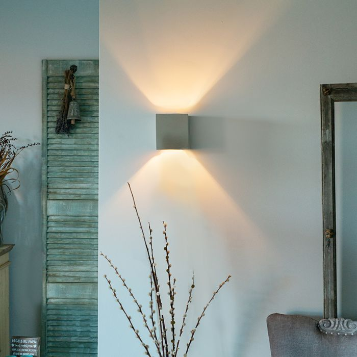 Country-Square-Wall-Lamp-Concrete---Alban