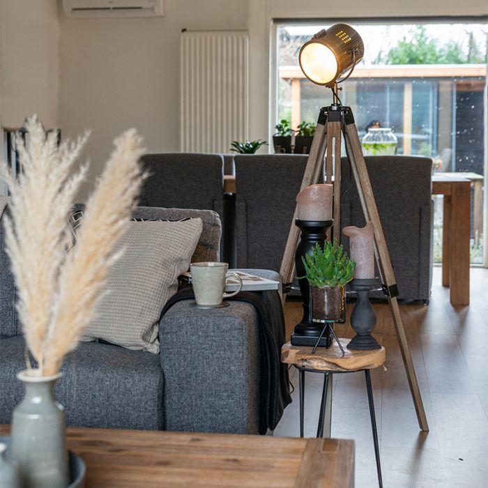 Industrial-floor-lamp-tripod-wood-with-studio-spot---Braha