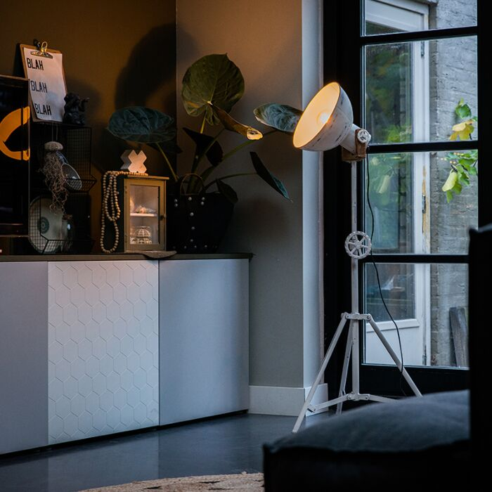 Industrial-floor-lamp-tripod-white---Mangoes