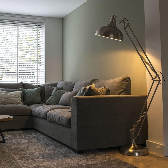 Floor-Lamp-Hobby-Steel