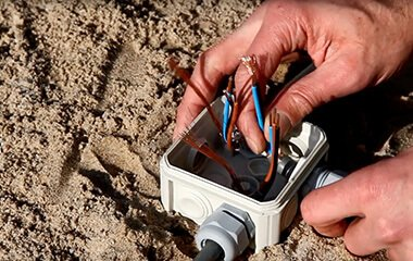 Tip 1: Attach a piece of ground cable to your spot